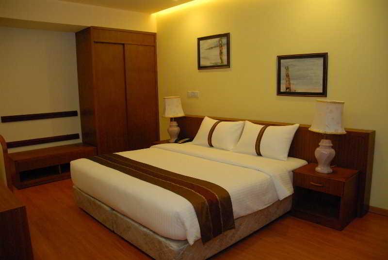 Hotel Nasandhura Palace