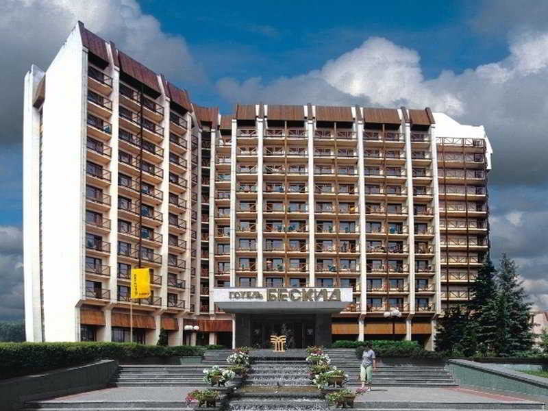 Beskyd Hotel, 33 Drohobytska Str,