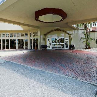 I-Drive Grand Resort & Suites