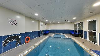 Kingsgate Hotel Doha by Millennium Hotels - Pool