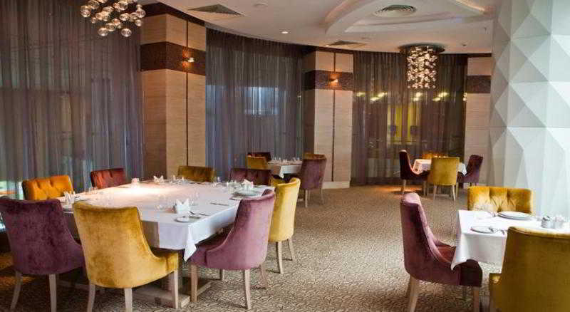 Sheraton Baku Airport Hotel - Restaurant
