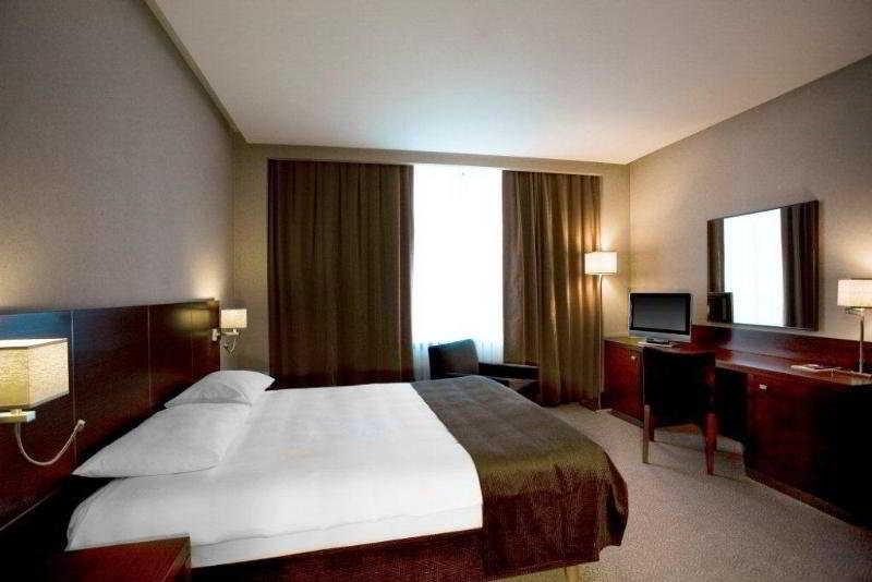 Sheraton Baku Airport Hotel - Zimmer
