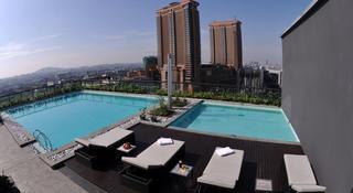 Bintang Fairlane Residence - Pool