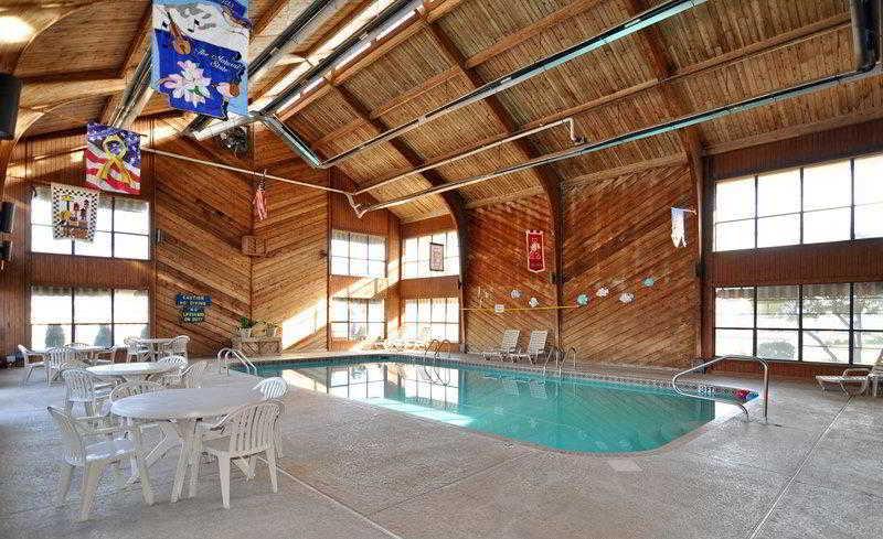 Quality Inn & Suites, W Michigan,704