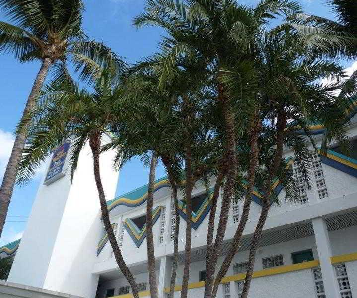 Best Western Plus On The Bay Inn & Marina