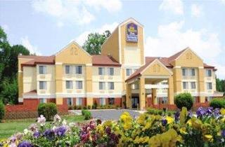 B/w Plus Huntersville Inn & Suites Near Lake Norma
