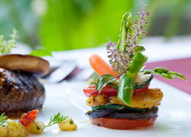 Dhevatara Beach Hotel & Spa - Restaurant