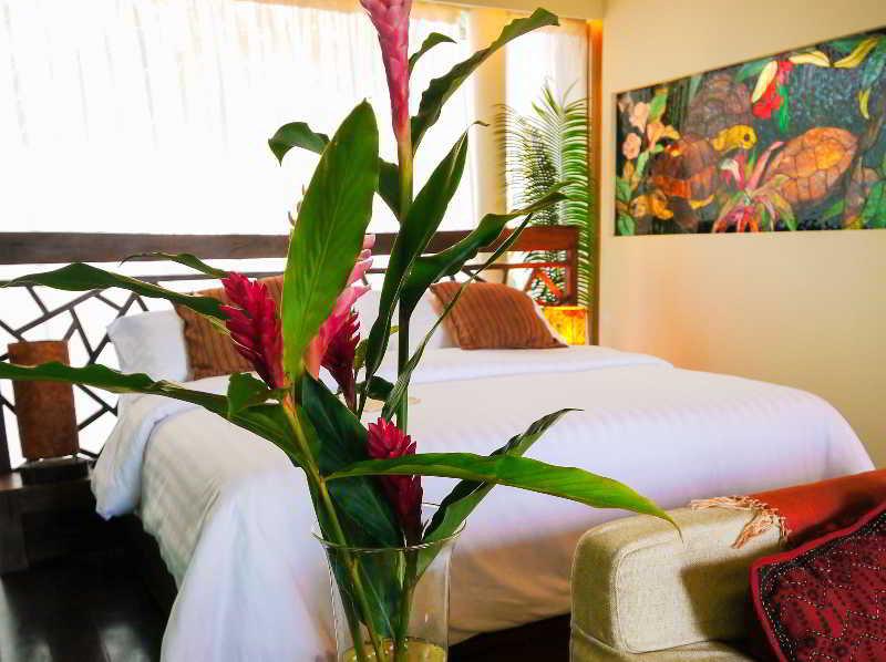 Dhevatara Beach Hotel & Spa - Zimmer