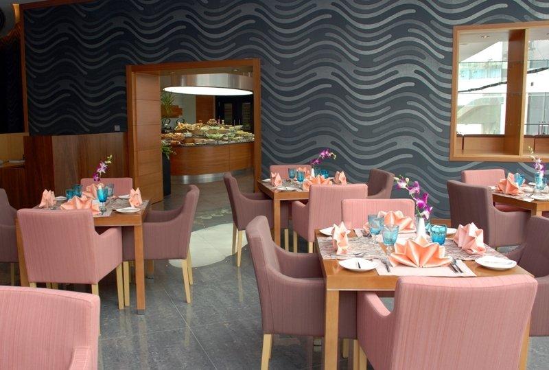 Holiday Villa Hotel and Residence City Centre Doha - Restaurant