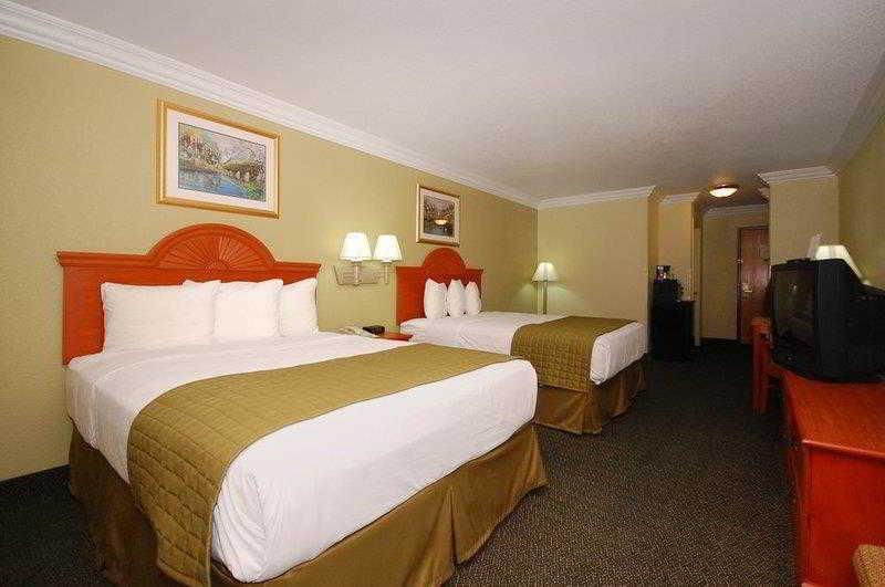 Best Western Winscott Inn & Suites