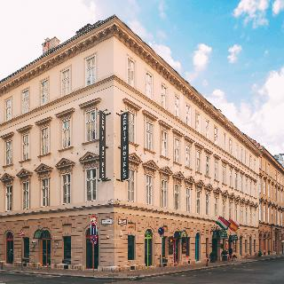 Zenit Budapest Palace, Apaczai Csere János Utca,7