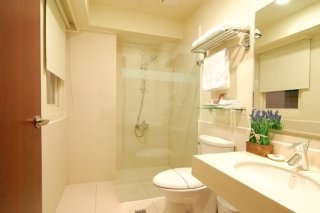 Book 52 Hotel Taichung - image 3