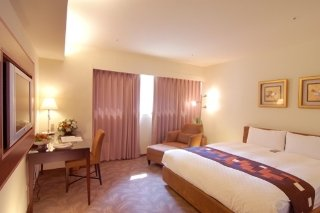 Book 52 Hotel Taichung - image 5