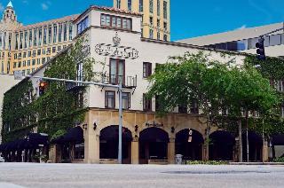 Hotel St. Michel, 162 Alcazar Avenue,