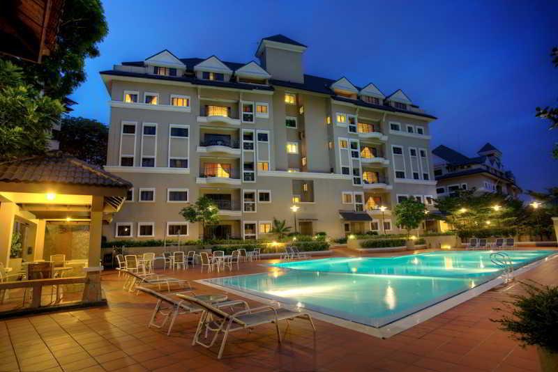 The Nomad Residences Bangsar - Pool