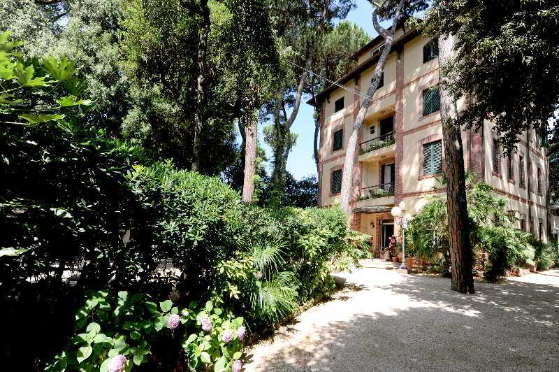 Villa Tiziana Hotel, Via Cavour,65