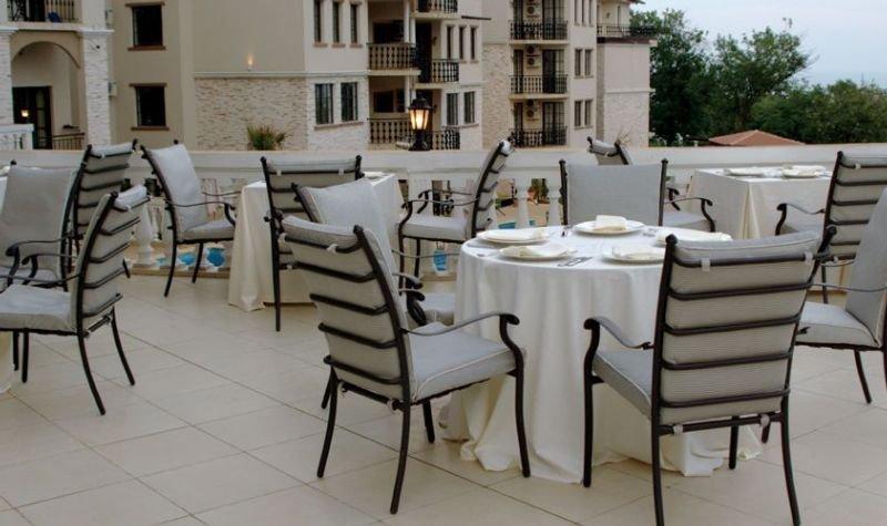 The Cliff Beach & Spa Resort - Restaurant