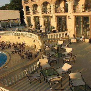 The Cliff Beach & Spa Resort - Terrasse