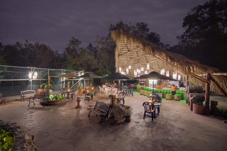 Robert's Grove Beach Resort - Restaurant