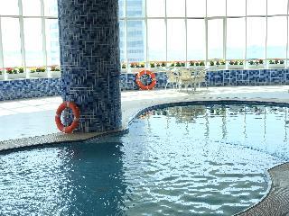 Aryana - Pool