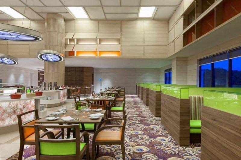 Four Points By Sheraton Sandakan - Restaurant