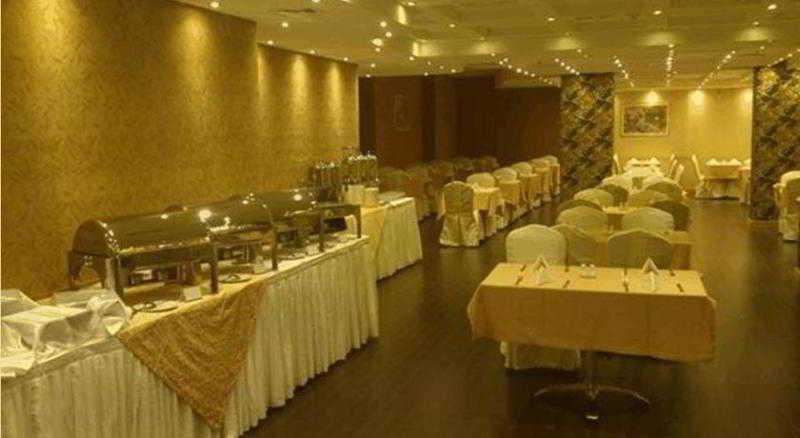 Dubai Hotels:Delmon Palace