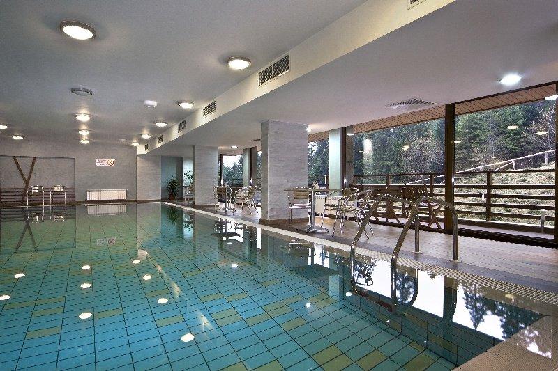 Yanakiev Club Hotel - Pool