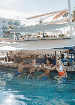 Hard Rock Hotel Vallarta - Pool