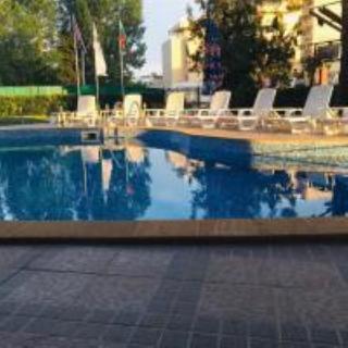 Andromeda - Pool