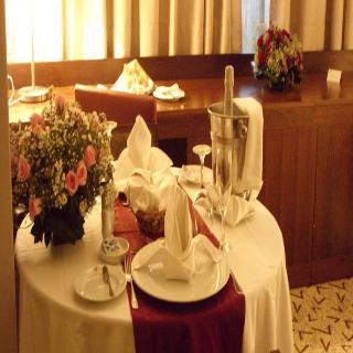 Skyna Hotel - Restaurant