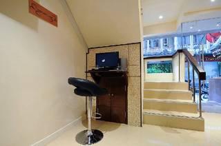 Bangkok Hotels:Royal Express Inn Sukhumvit