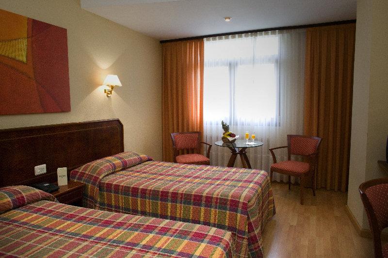 Unzaga Plaza Hotel