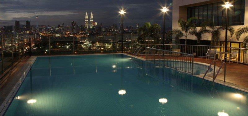 Cempaka Apartment Hotel - Pool
