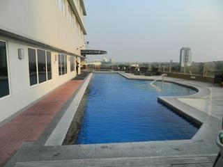 Acacia Hotel Manila - Pool
