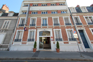 Des Cedres Hotel, Rue Marechal Foch,17