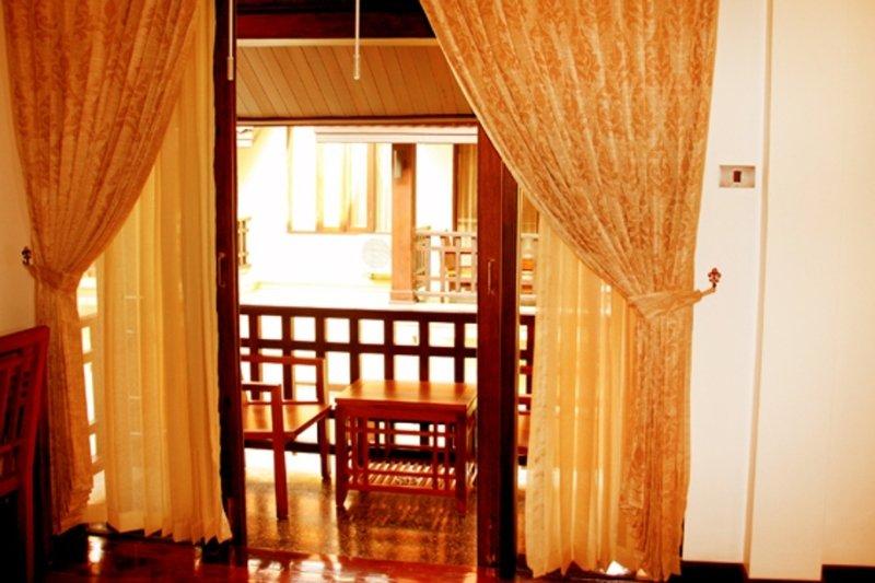 Ang Thong Hotel, Lao – Thai Friendship Rd…