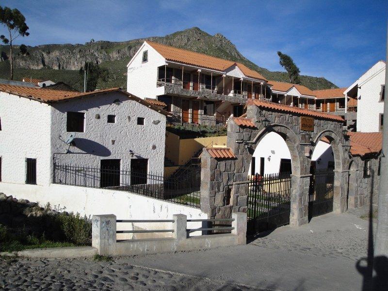 Granada, Av. Juan Velazco Alvarado…