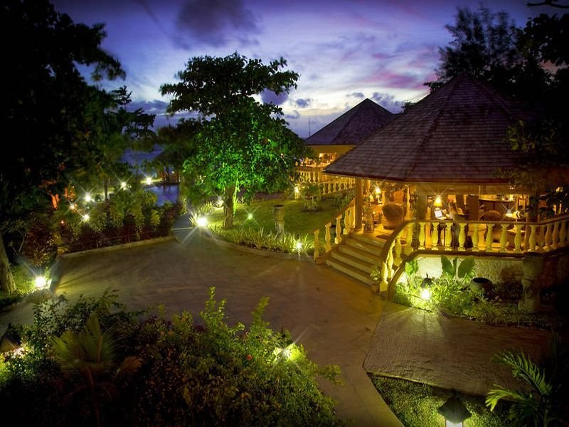 Castello Beach Hotel, Anse Kerlan,
