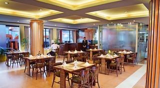 Summit Residency Airport Hotel Kathmandu - Restaurant
