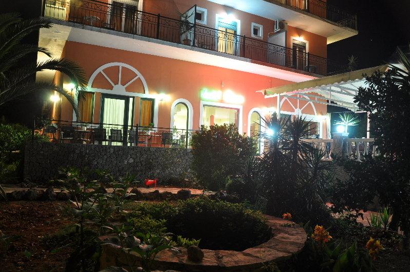 Sejur Pyrros Hotel