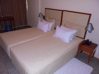 Loanda Hotel, Rua Joaquim Kapango Nr 83…