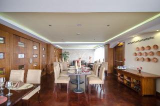 Howard Johnson Hotel…, Av. Zoilo Rodriguez,