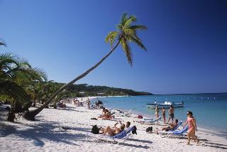 Las Rocas Resort & Dive Center - Strand