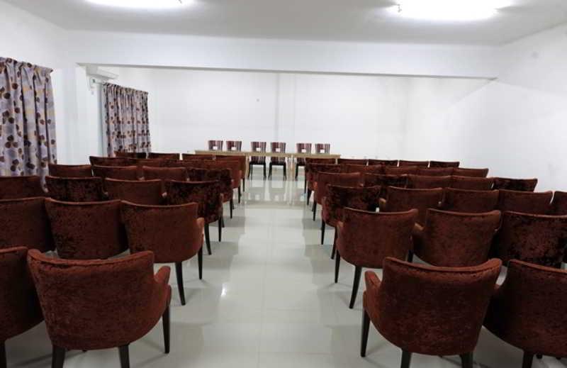 Ritz Waku-Kungo - Konferenz