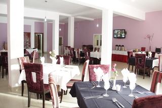 Ritz Waku-Kungo - Restaurant