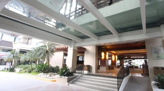 Crown Regency Resort and Convention Center - Diele