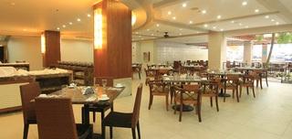 Crown Regency Resort and Convention Center - Restaurant