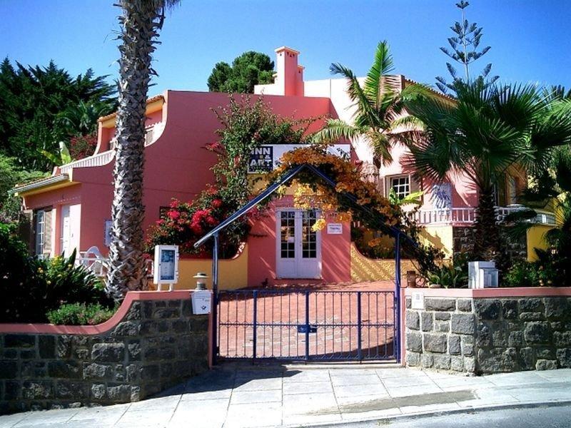 Inn & Art Falesia Apartments