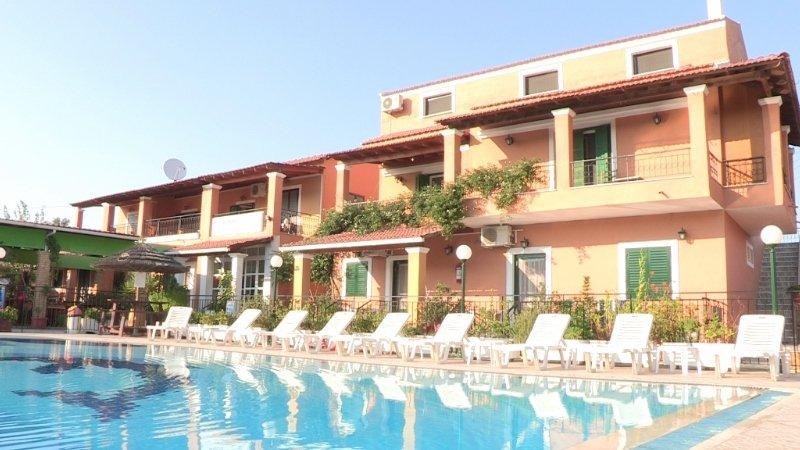 Scrivas Apartments, Agios Petros,