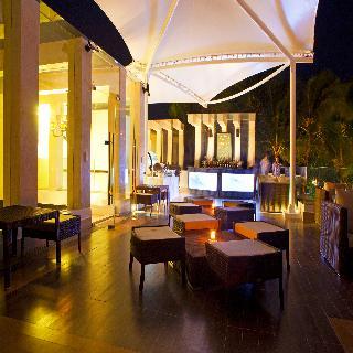 The District Boracay - Bar